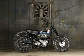 BSA A10R Super Rocket